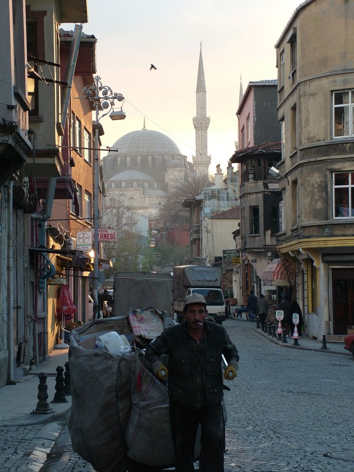 DSCF1670 Mosque Street View